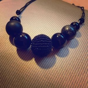 Black textured beaded necklace (4/$20)